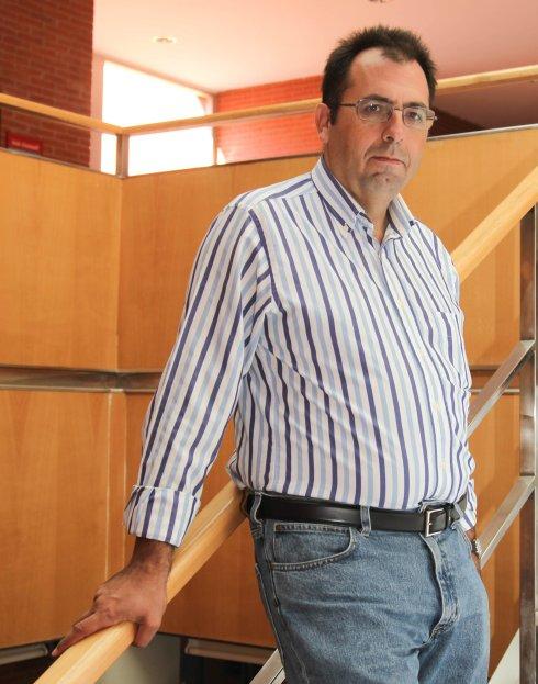Al Toro Por Los Cuernos - Domingo Delgado de la camara en escalera